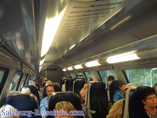 Autoverladung im Zug bei Gastein