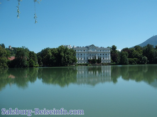 Blick auf Schloss Hotel Leopoldskron
