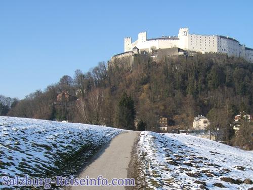 Blick auf Festung, Burg Salzburg Winterurlaub