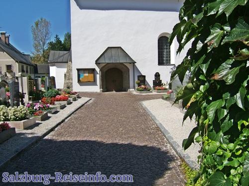 Eingang Friedhof Grödig