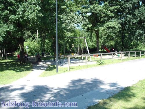Kinderspielplatz für Kleinkinder in Leopoldskron an der Laufstrecke