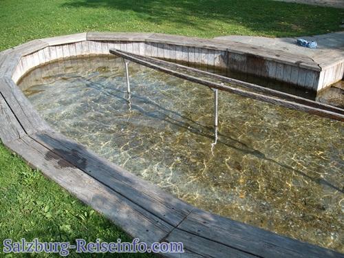 Wasserbecken für Kneippsches Wassertreten