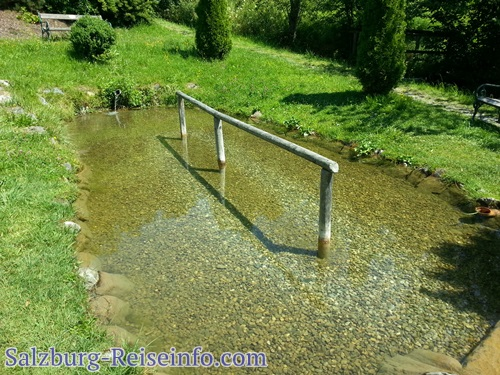 Wassertreten Kneippen in St. Veit