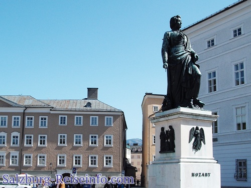 Salzburg Mozartdenkmal