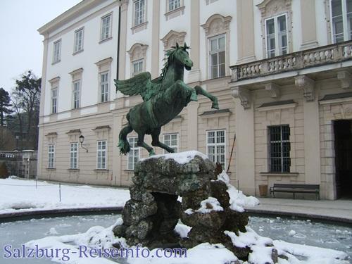 Pegasusbrunnen im Winter