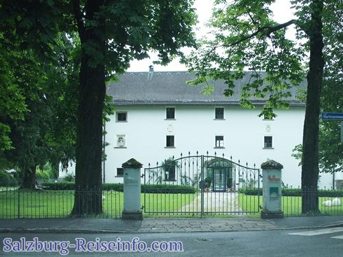 Schloss Rif Eingang