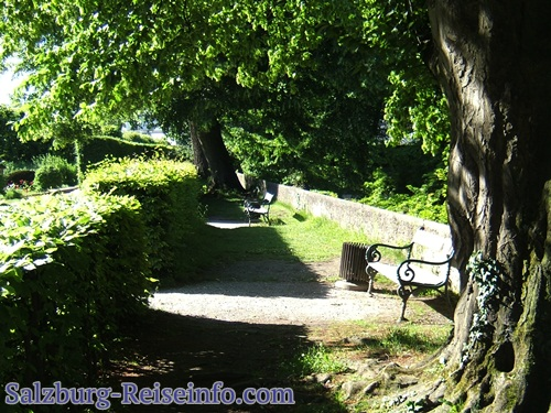 Abgelegene Sitzplätze im Mirabellgarten