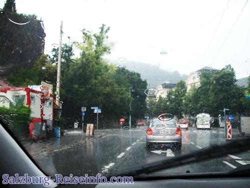 Trotz Regens genügend freie Parkplätze
