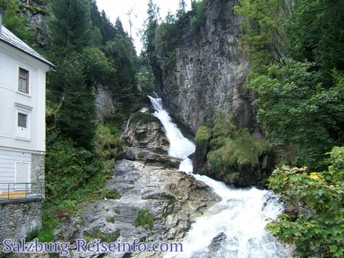 Brücke über den Wasserfall in Gastein