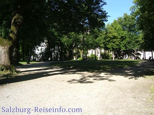 Wasserbastion Park mit Zwergen